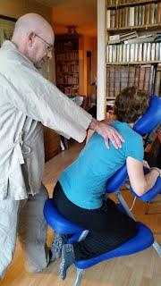 Shiatsu sur chaise de massage